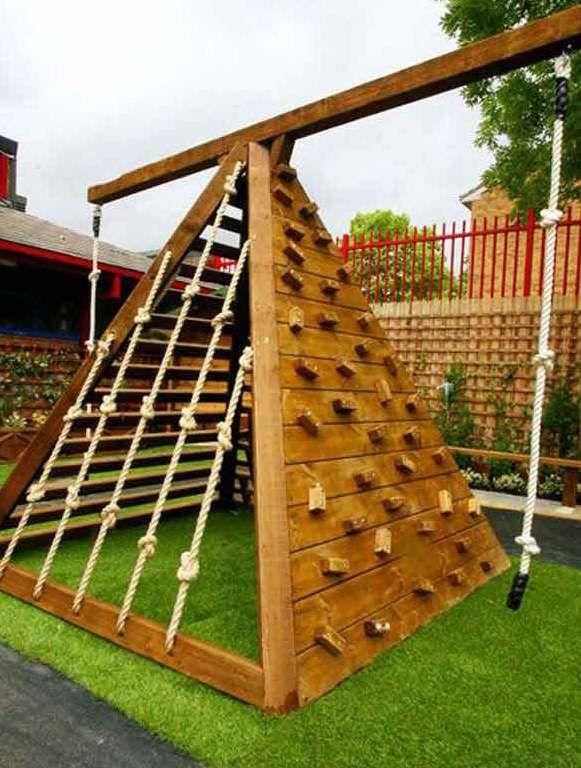 Kinderspielplatz Ideen Für Den Garten. Mit Einem Sandkasten Unten Drunter?