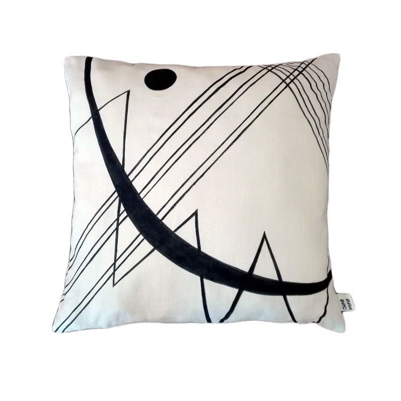 handmade and hand painted pillow inspired by Kandinsky's abstract composition. cm 40x40 di zonamona su Etsy