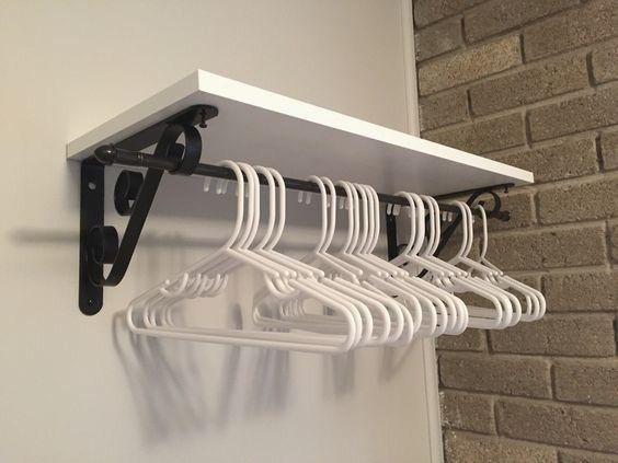 Photo of Wäscherei-Organisation – Kleiderbügel-Idee Wirklich so mit den Regalen und…,  #den #Kleiderbü…