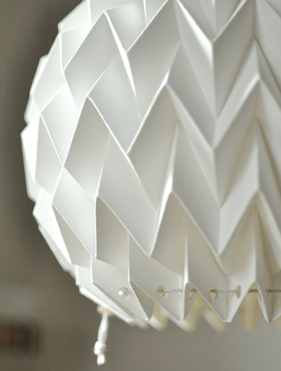 origami paper lamp shade lantern bubble etsy lamparas pinterest papel origami y. Black Bedroom Furniture Sets. Home Design Ideas