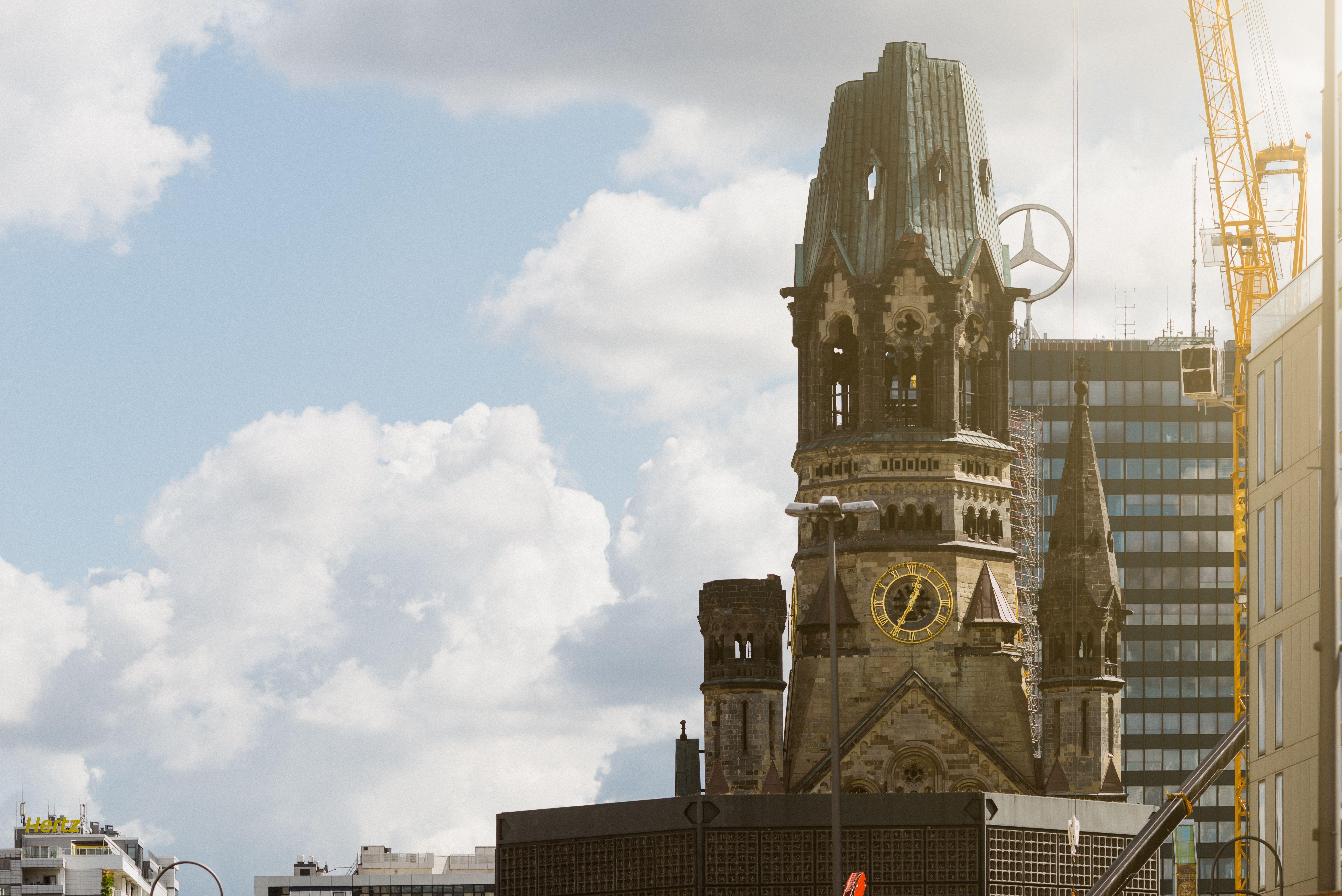 Kaiser-Wilhelm Gedächtnis-Kirche am Breitscheidsplatz, Charlottenburg in Berlin, Berlin, Nachbarschaft, Lifestyle, Kiez, Stadtteil, Bezirk, Wohnen