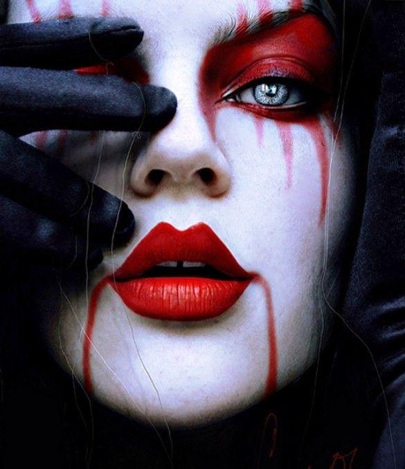 Maquillage d\u0027Halloween bouche et yeux rouge diabolique
