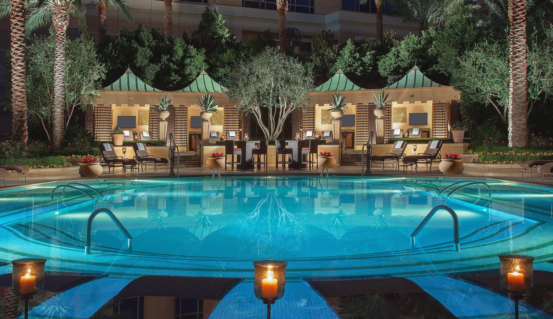 Palazzo Quiet Pool | Vegas Baby!! | Pinterest | Palazzo, Venetian ...