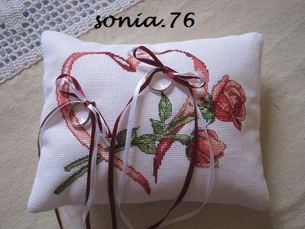 Cuscini Per Fedi Nuziali Punto Croce.Cuscino Portafedi Lucia E Niccolo Dall Album Di Sonia76
