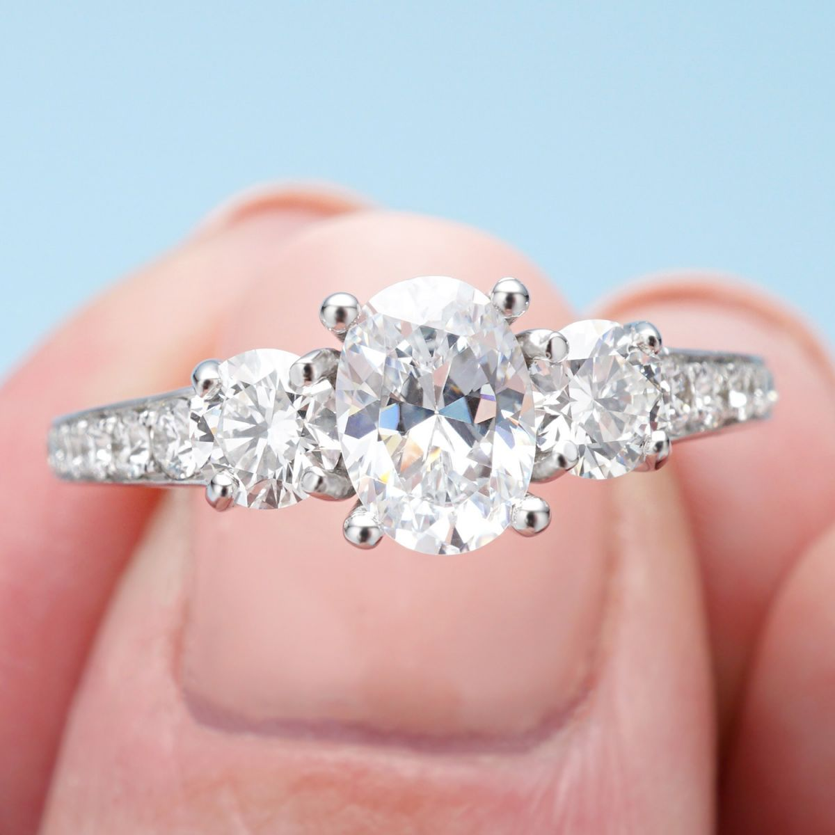 The Most Stunning Oval Engagement Rings