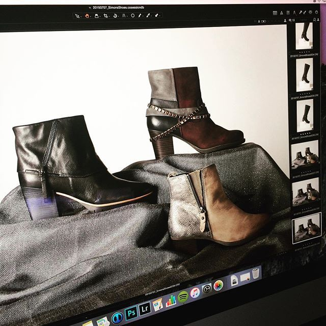 Yaaasss qween! Is it fall yet? #fall #boots @jhilldesign @coletteaphoto #photoshoot #fashion #photography #screenshot #shoes #instashoes #shopping