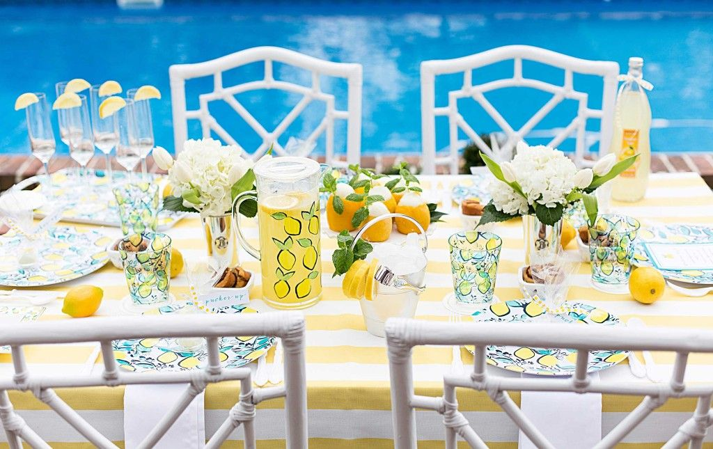 See how Courtney of Pizzazzerie worked our Lemon Melamine tabletop collection into a beautiful brunch that shows what can happen when life hands you lemons. | Draper James | Love, Reese Blog