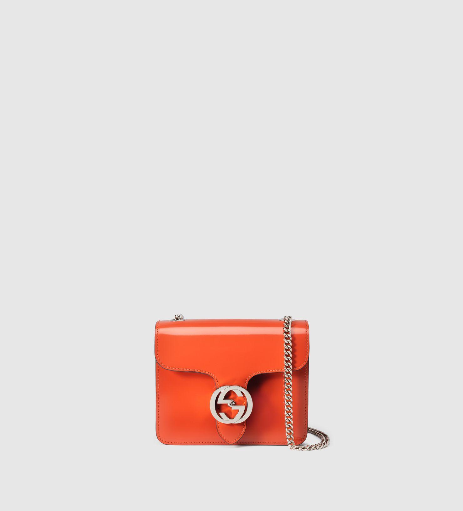 b7c349a9d664 Sac en cuir avec détail double G   Pinterest   Gucci, Epaule et Cuir