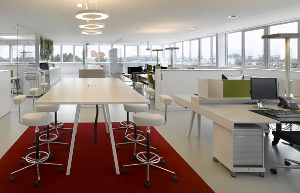Decoracion oficina moderna cerca amb google dise o de for Pinterest oficinas modernas