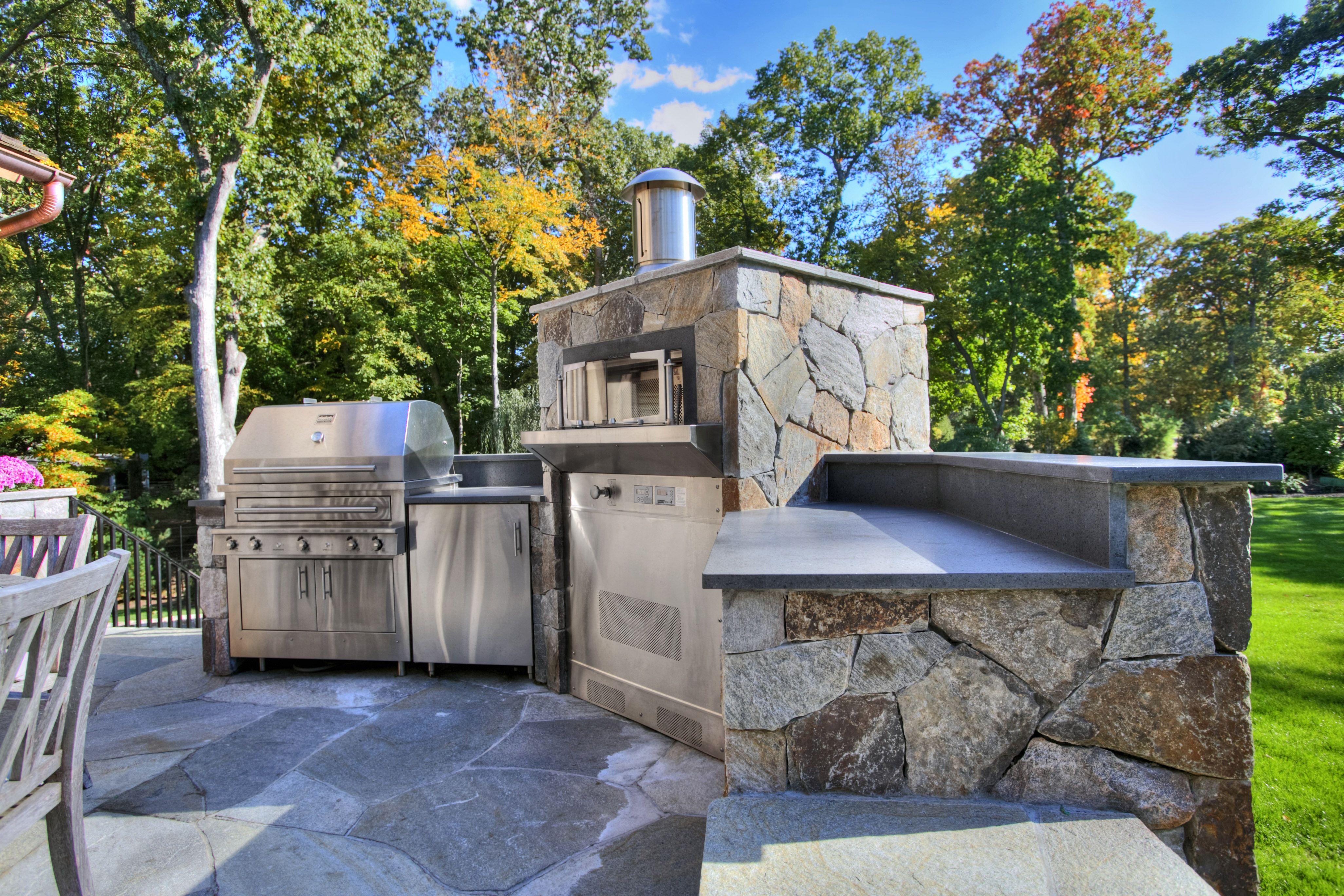 Built In Outdoor Kitchen With Kalamazoo Pizza Oven Outdoor