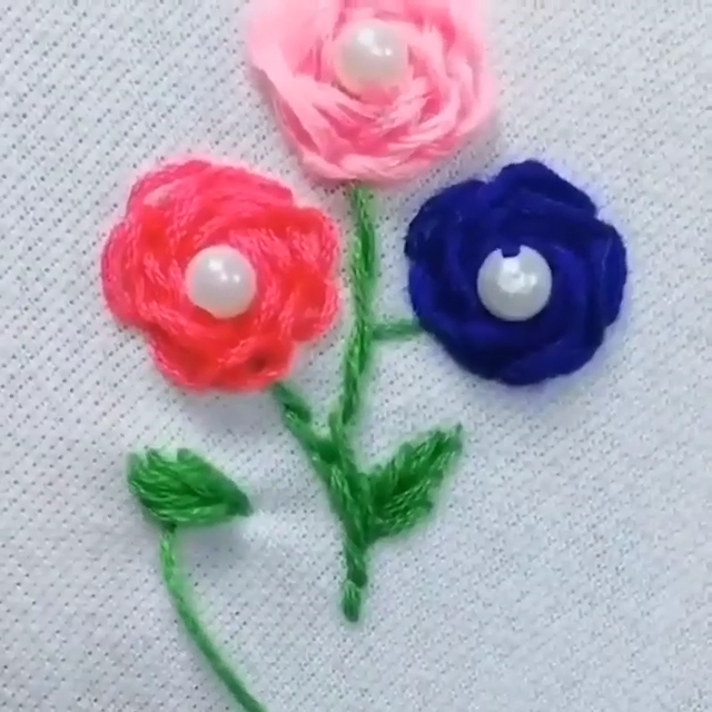Embroidered flowers for clothes