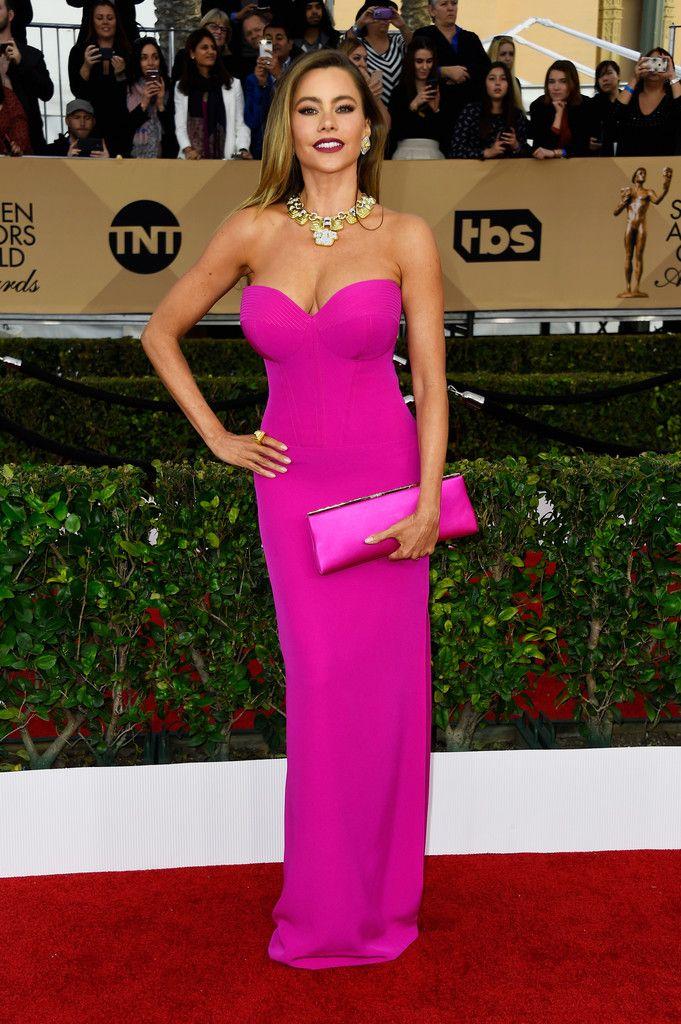 Sofia Vergara Strapless Dress | Celebrities in PINK | Pinterest ...
