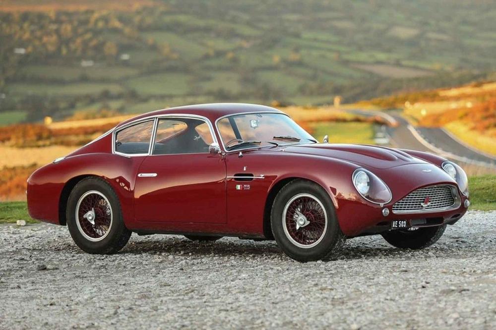 Original 1961 Aston Martin Db4 Gt Zagato Expected To Sell For 9 1m In 2020 Aston Martin Db4 Aston Martin Aston