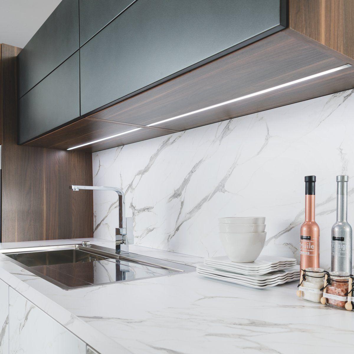 Éclairage Plan De Travail Cuisine Led rail led encastré sous le meuble haut de la cuisine arcos
