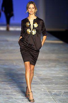 Chloé Spring 2003 Ready-to-Wear Collection Photos - Vogue