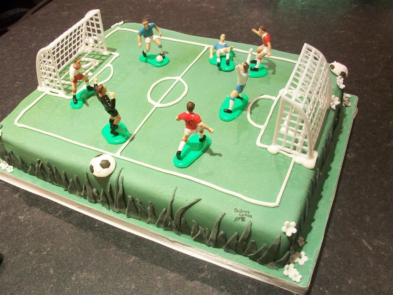 Cake Designs Of Football : Football cakes on Pinterest Football, Premier League and ...