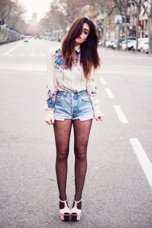 Who wears short SHORTS...?! (27 photos)