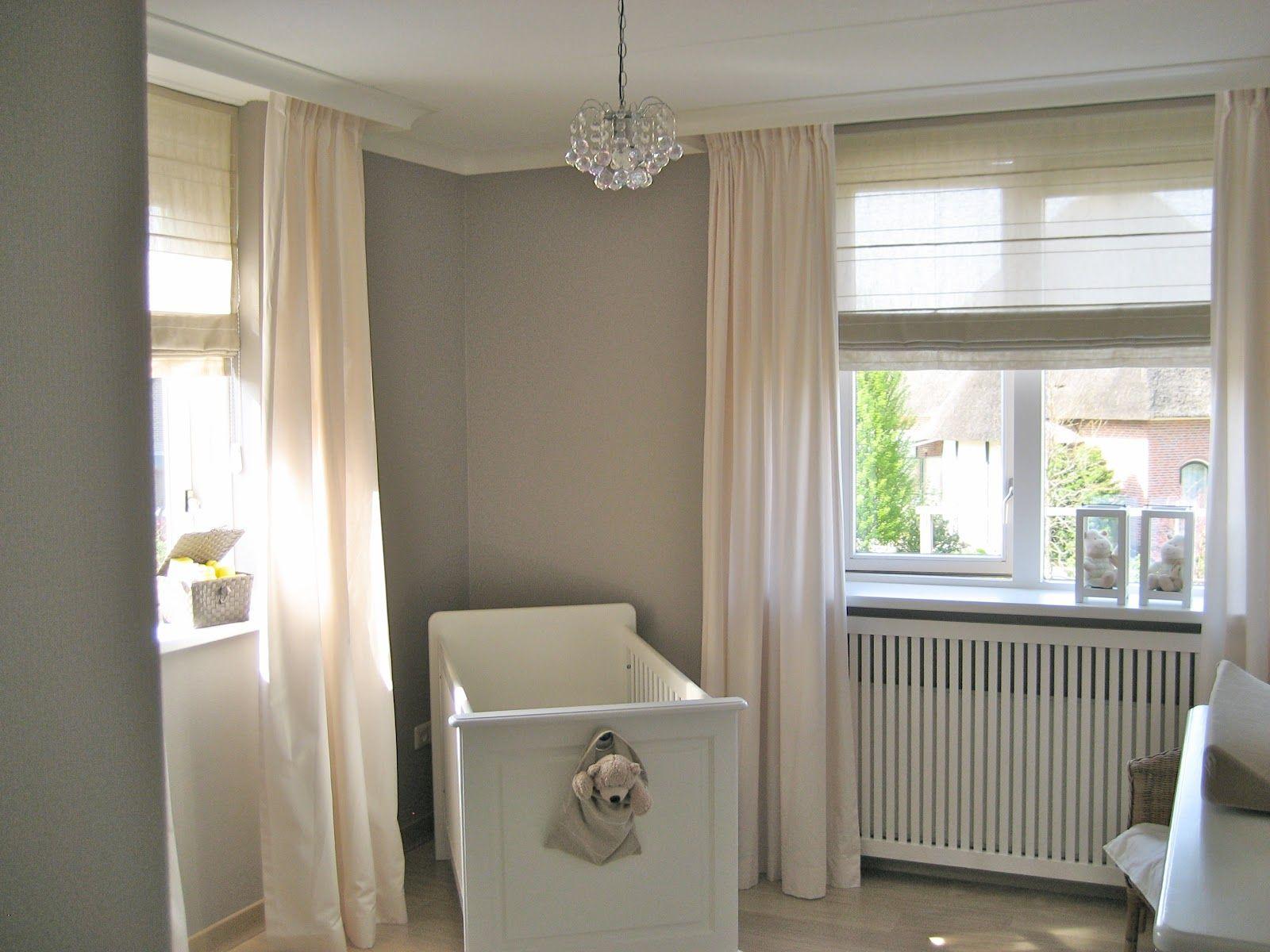 Rolgordijn Babykamer Inspiratie : Babykamer naturel beige taupe baby nursery room baby room