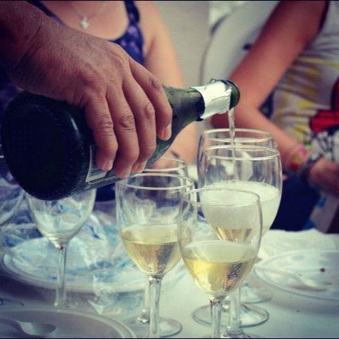 Brindemos pues, querido