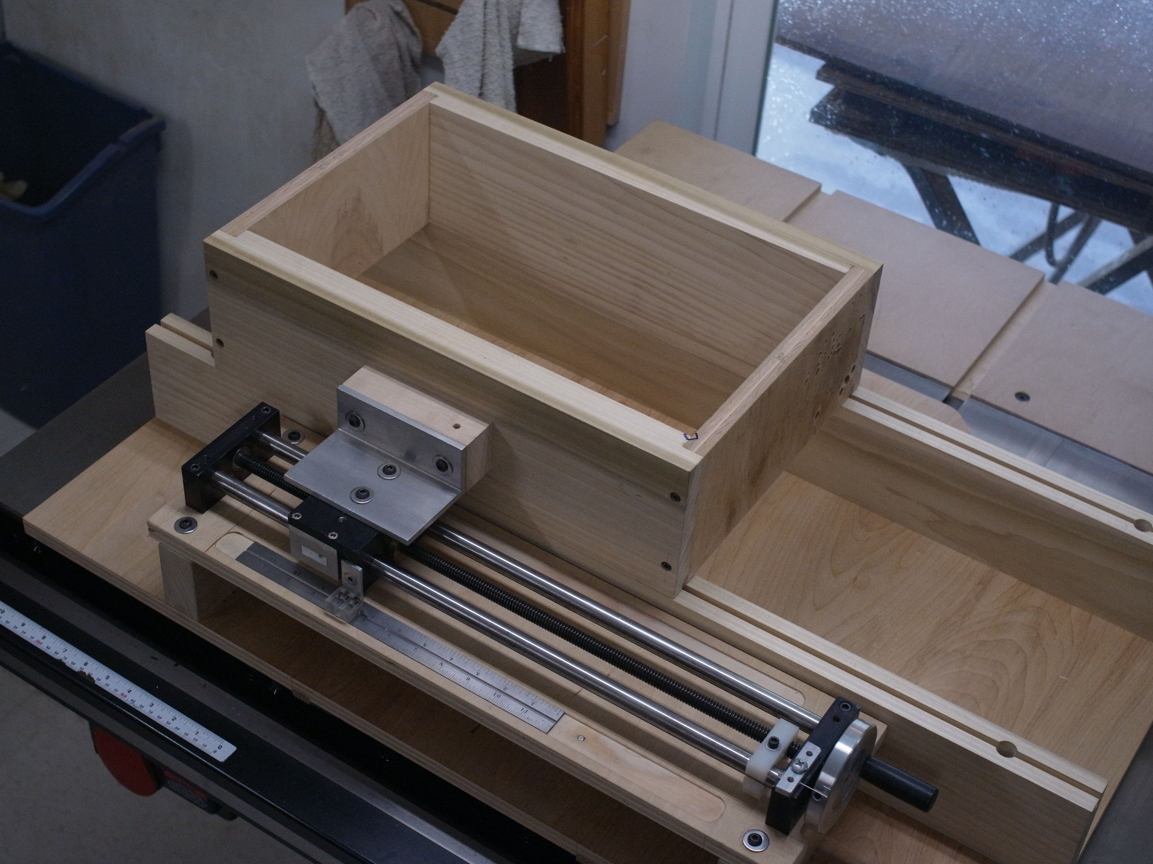 table-saw-x-joint-jig.jpg (JPEG Image, 3776×2832 pixels) - Scaled (32%)