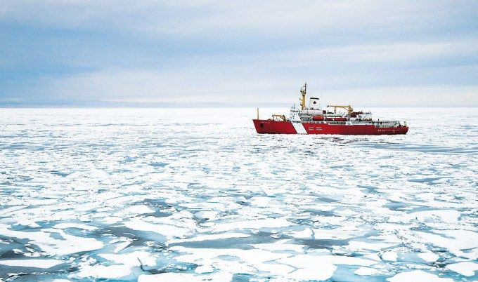 The 27 Most Beautiful Photos Of Canada Uploaded To Reddit Canadian Coast Guard Coast Guard Ships Canada Coast