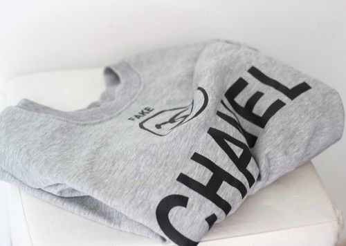 Image via We Heart It #black #brand #chanel #clothes #fashion #girly #grey #outfit #tshirt #white