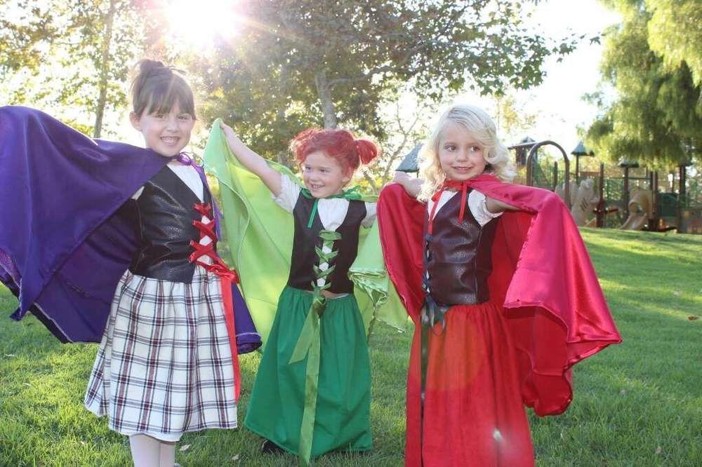 Hocus Pocus Halloween Party Ideas Hocus pocus, Halloween parties - sisters halloween costume ideas