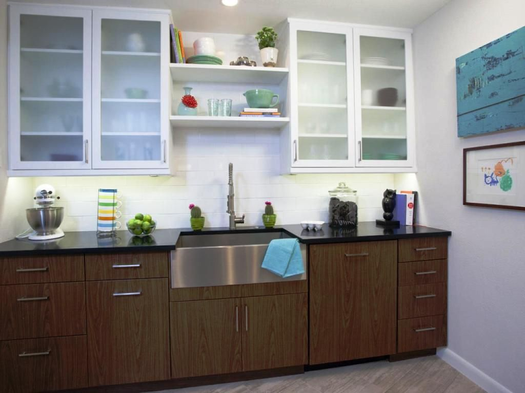 Creating Unique Color Combination With Two Tone Kitchen Cabinets
