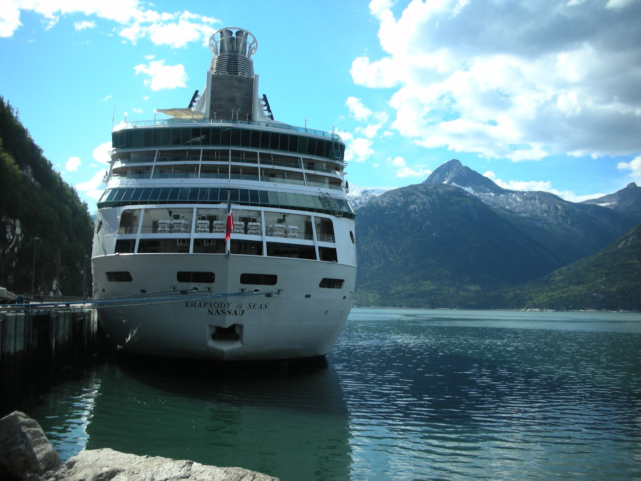 Our Ship Rhapsody Of The Seas By Royal Caribbean For Our Alaska Inside Passage Cruise Loved This Entire Trip Kapal Pesiar Pesiar Kapal