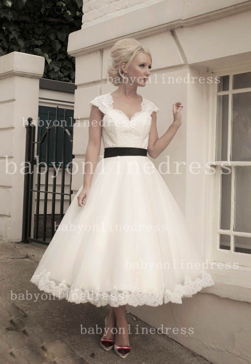Vintage Lace Wedding Dresses A-line Cap Sleeves Lace Appliques ...