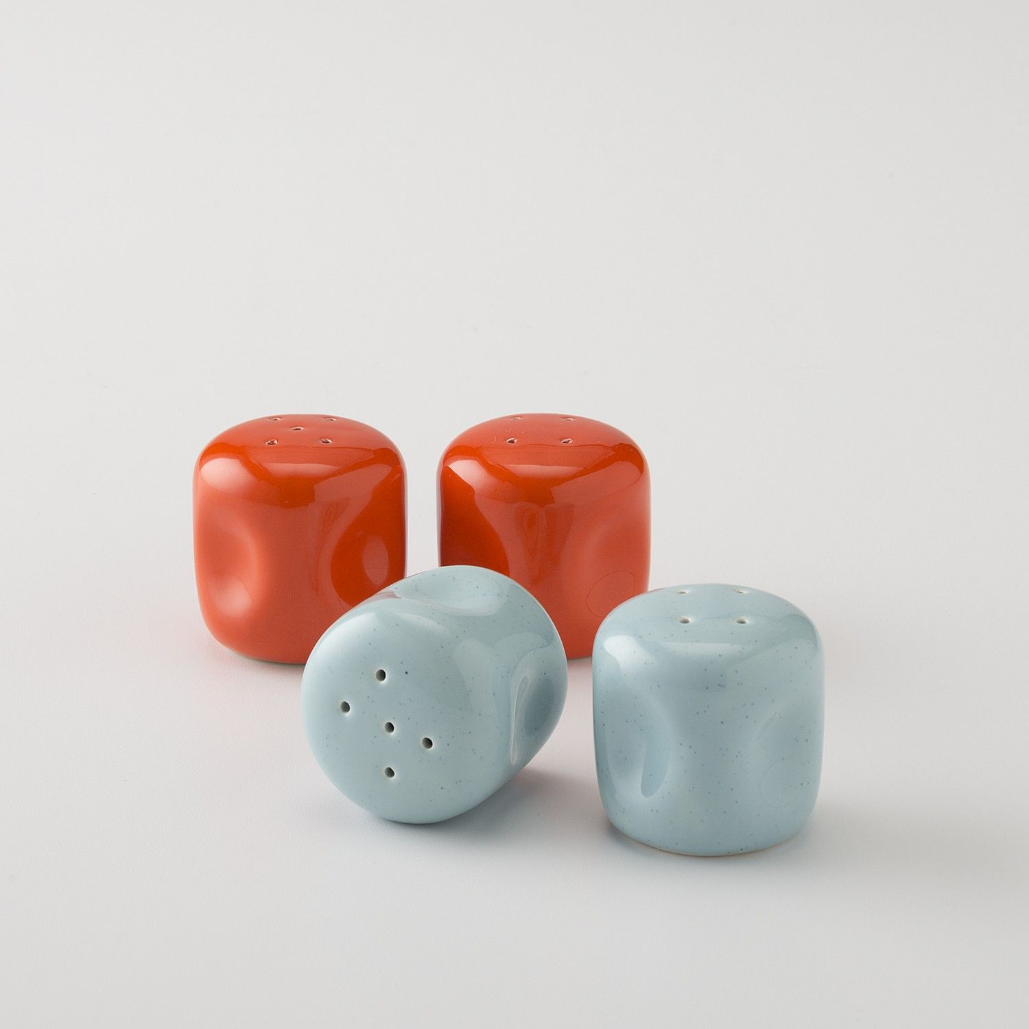 American Modern design at its finest. First introduced in 1939 and designed by Russel Wright, these bright salt and pepper shakers add a wonderful pop of color to any tablescape thanks to their trademark curvy silhouette and signature Bauer hue. Handcrafted exclusively by Bauer Pottery in Southern California.
