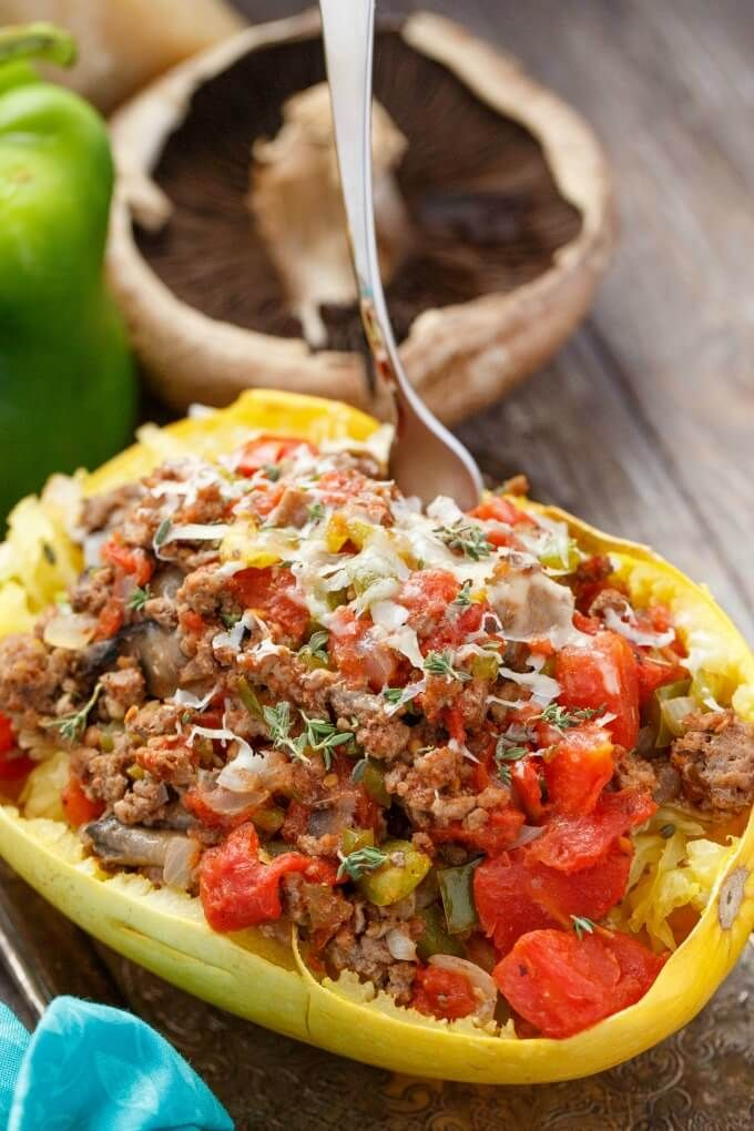 Stuffed Spaghetti Squash with Tomato and Ground Beef - The Cookie Writer #stuffedspaghettisquash