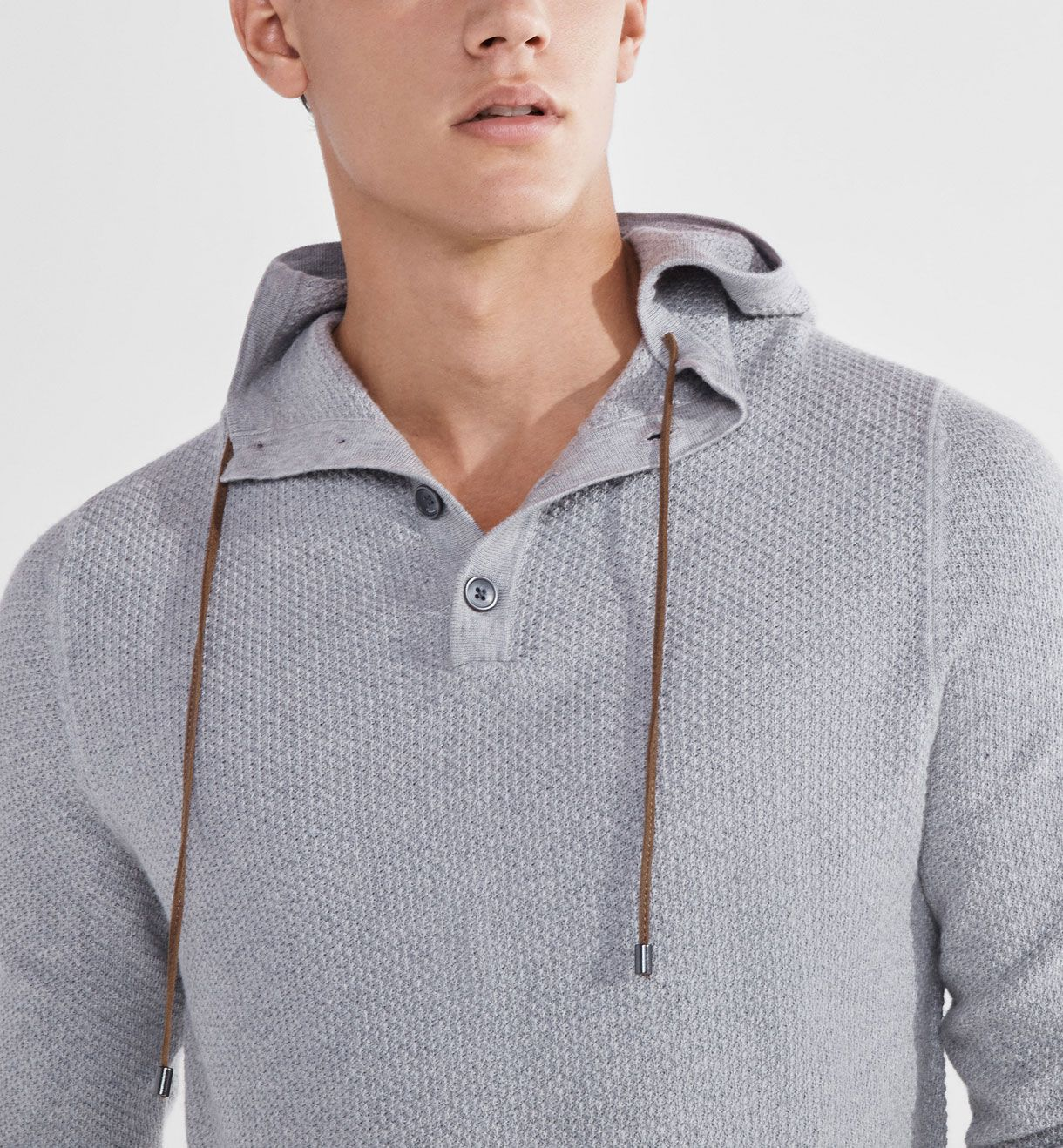 SOFT TEXTURED SWEATER WITH A CONTRASTING DETAIL, Casual shirts - MEN - Massimo Dutti