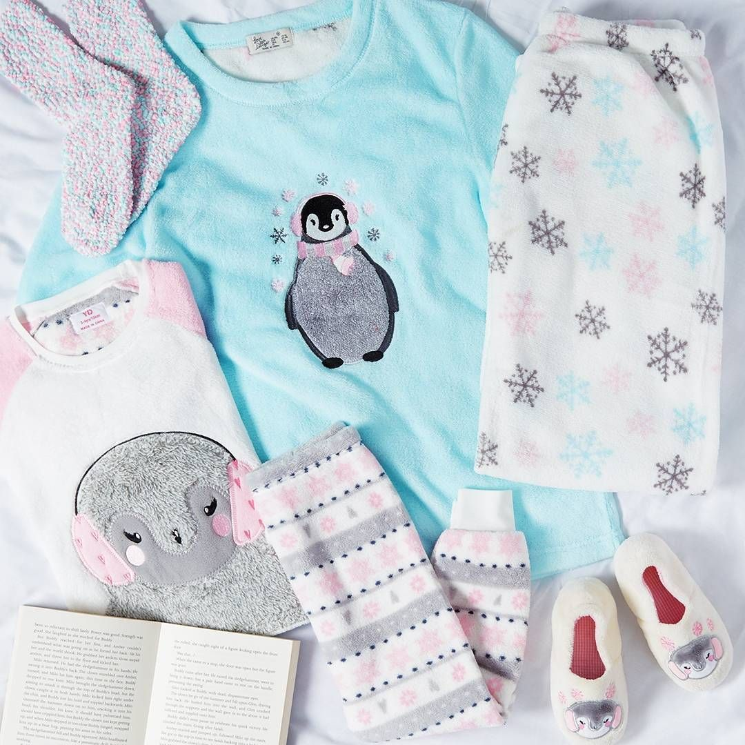 Cosy Christmas styling for you and the little ones   Prices from €5/$6 #Primark #womenswear #kidswear #penguins