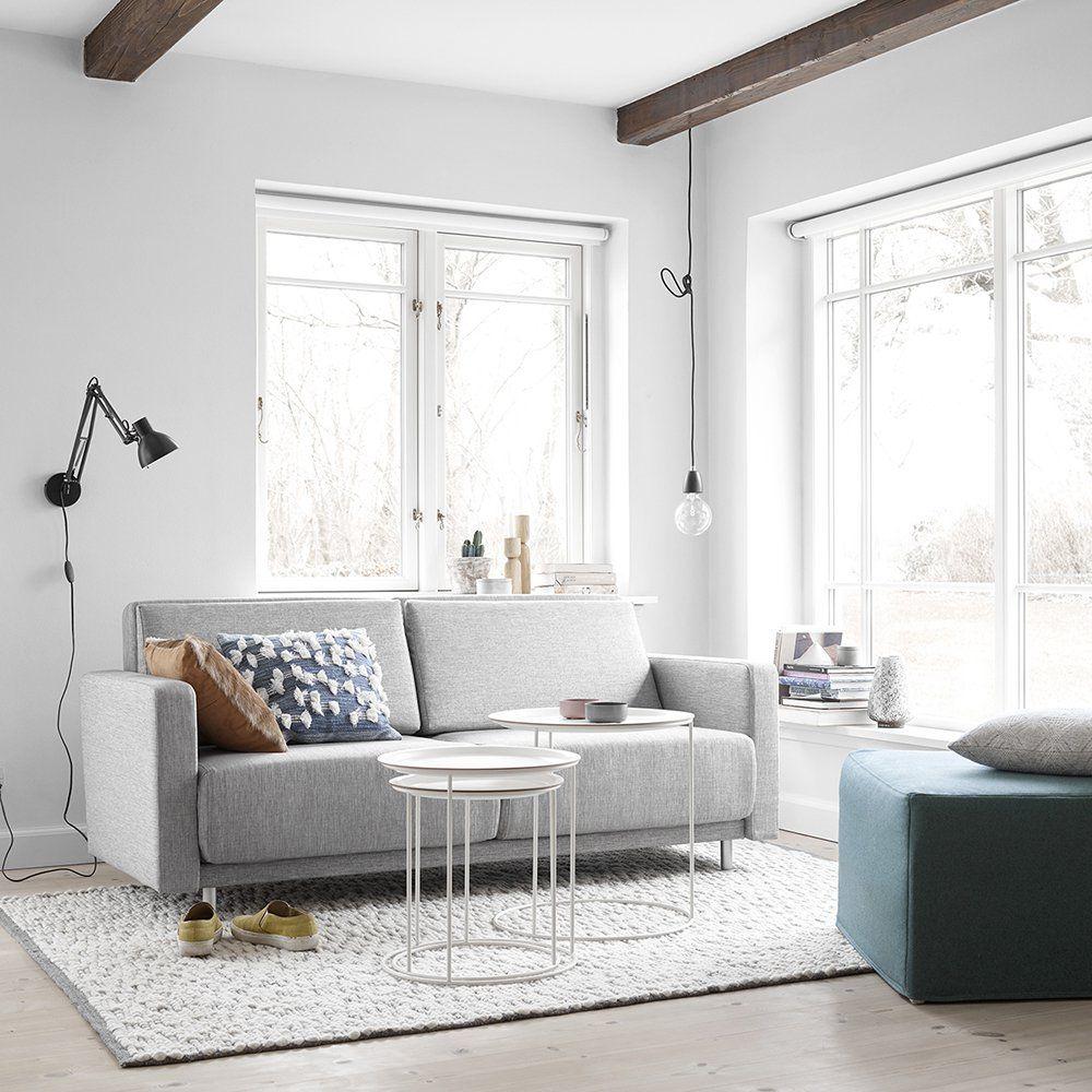 un canap convertible 2 places design gris chin avec des petites tables basses gigognes. Black Bedroom Furniture Sets. Home Design Ideas