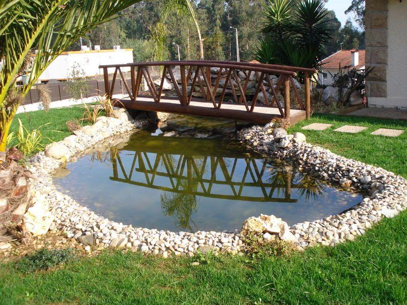 Dicas de lagos e cascatas para jardim jardim pinterest for Jardines con lagos artificiales
