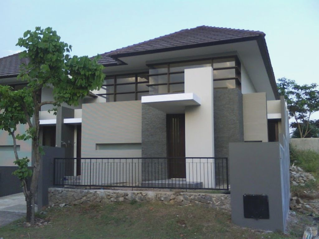 minimalist grey nuance home paint colors exterior with black fence can add the modern house. Black Bedroom Furniture Sets. Home Design Ideas