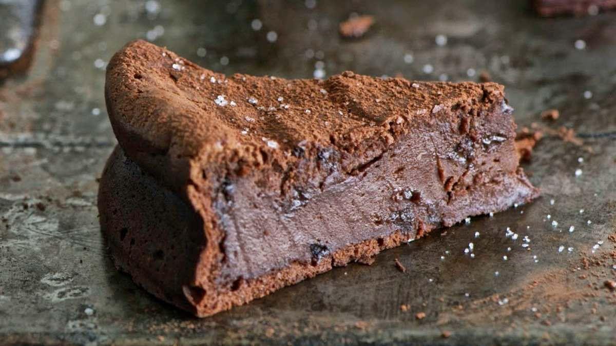 Le Fabuleux Moelleux Au Chocolat De Pierre Herme Recettes Faciles Recette Moelleux Au Chocolat Moelleux Chocolat