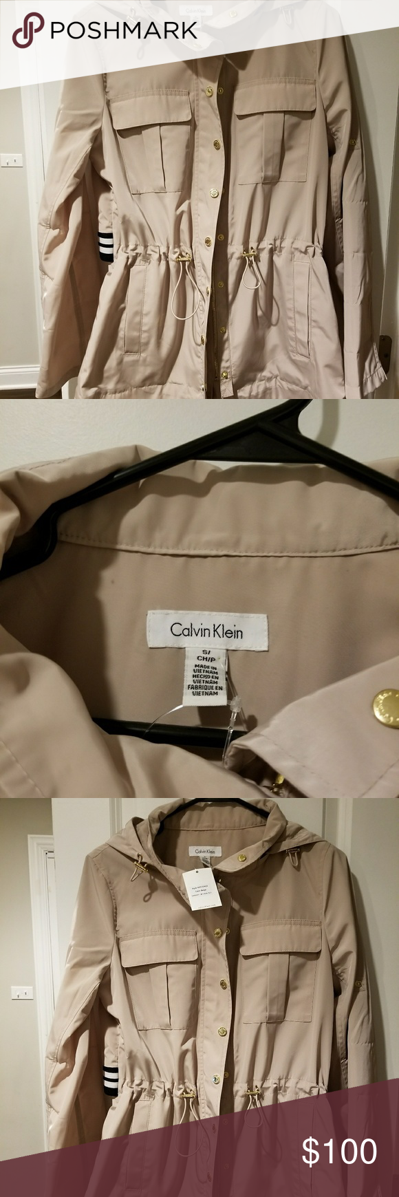 Calvin Klein Jacket Great for the Fall weather.Cream in