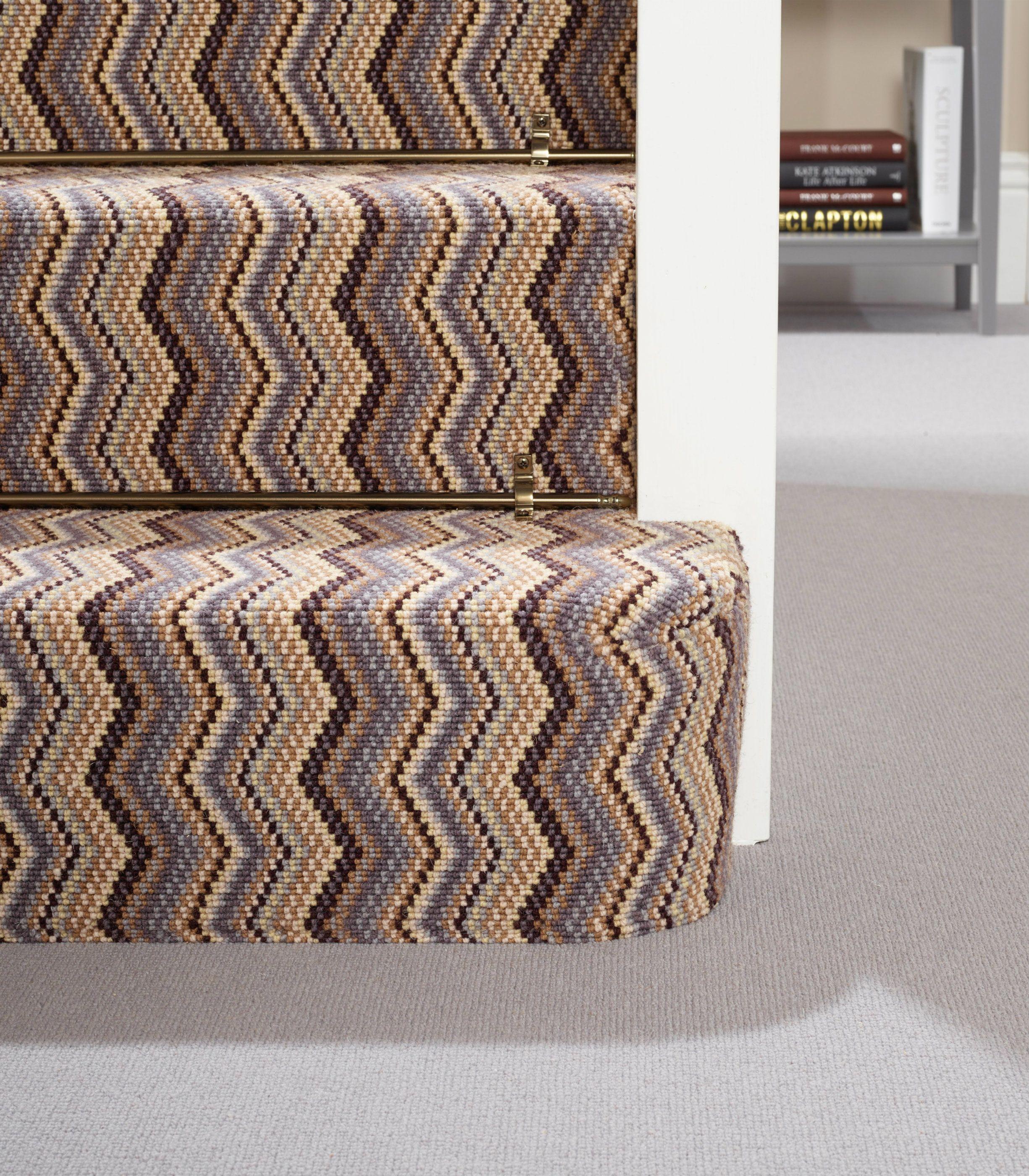 Best Deco Carpet Flooring Zigzag Design Stairs Staircase 640 x 480