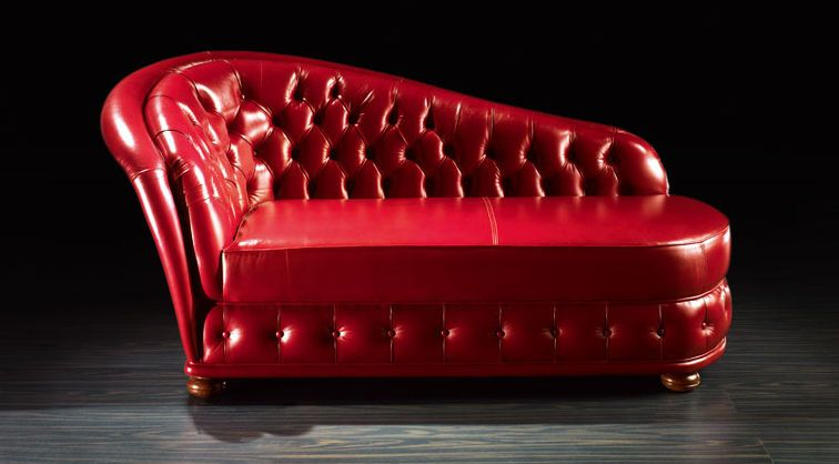 Traditional chesterfield style divan zoy poque by egon for Divan man chesterfield