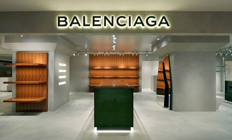 performance sportswear catch outlet store tokyo: balenciaga shop-in-shop opening   Tokyo design, Store ...