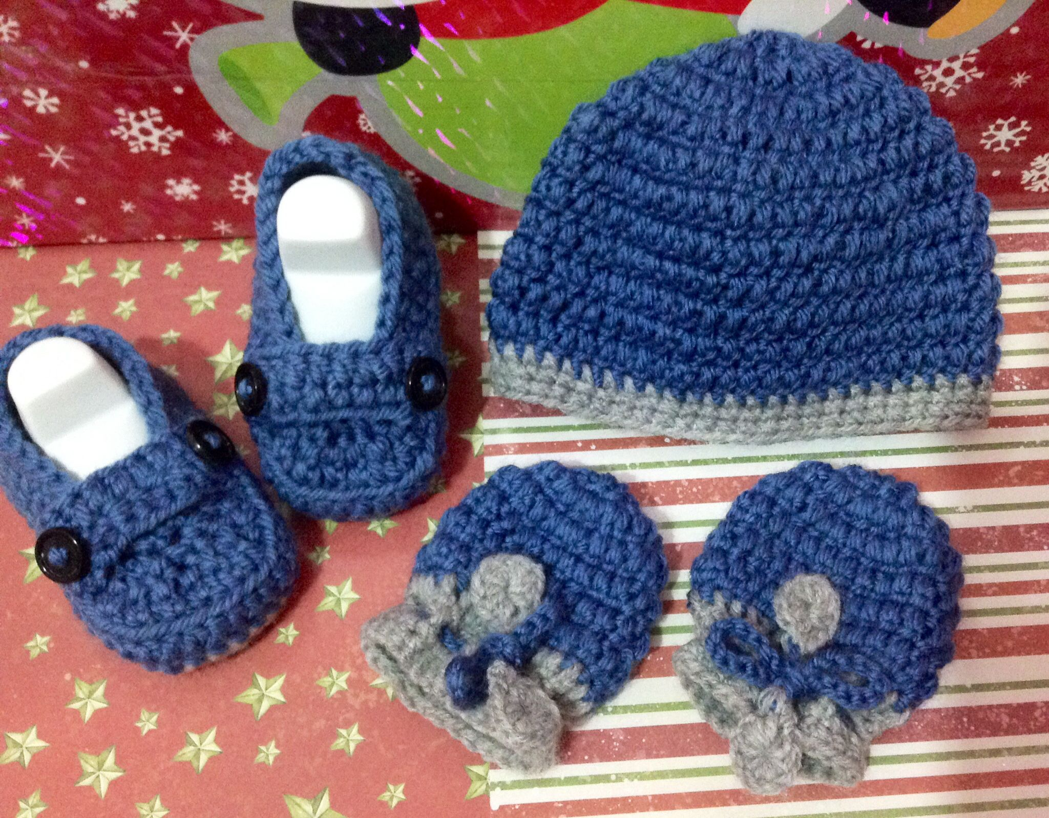 Baby Hand Crochet Set Beanie Hat Shoes /& Mittens Size 0-3 Months