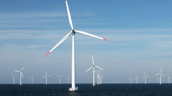 Rødsand I -tuulivoimapuisto merellä Lollandin saaren eteläpuolella Tanskassa / Ole Christiansen / E. ON / EPA.