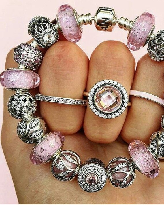 460765f4dfd1 PANDORA. For more great pins go to  KaseyBelleFox