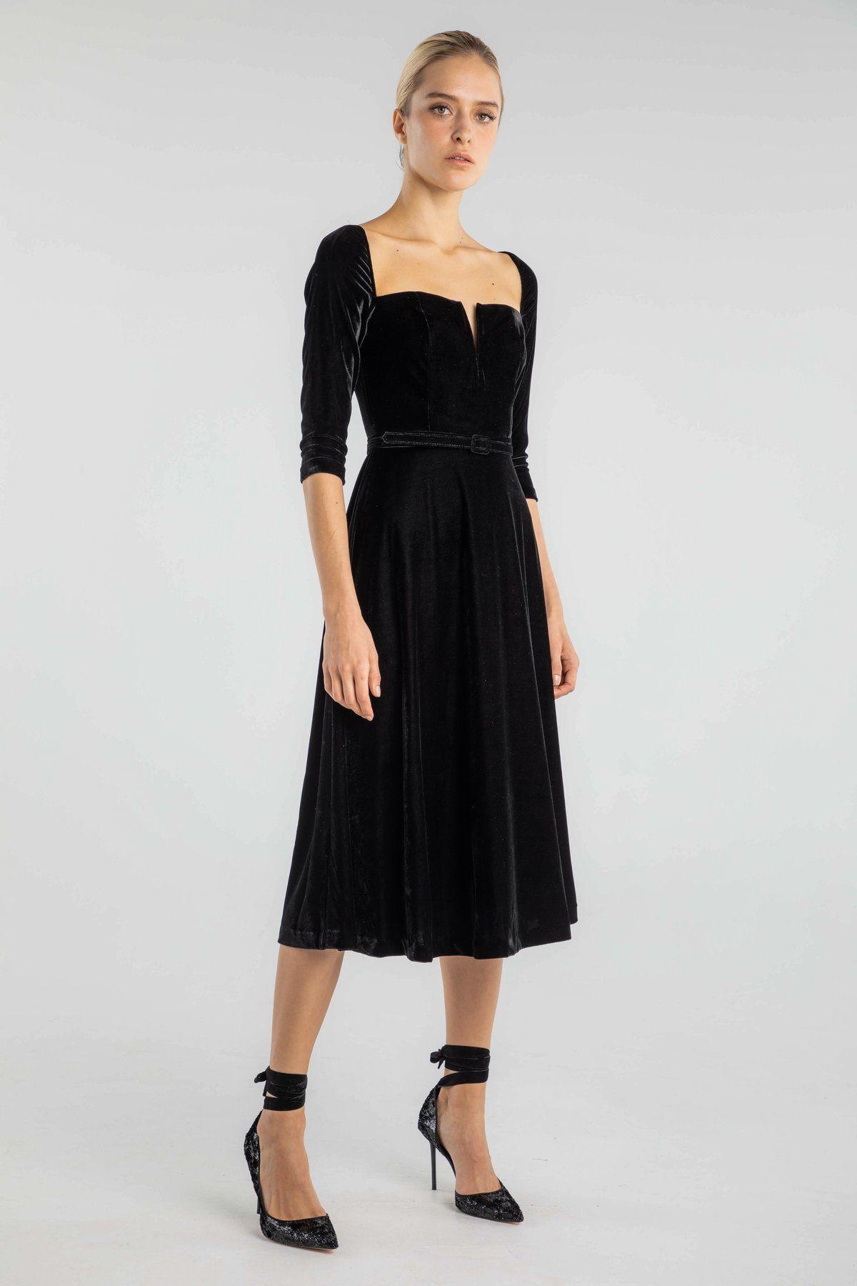 Description Elegant A Line Cocktail Dress With 3 4 Length Sleeves Plush Velvet Fabric Square Neckline With A Wi Velvet Midi Dress Dresses Necklines For Dresses [ 1800 x 1200 Pixel ]
