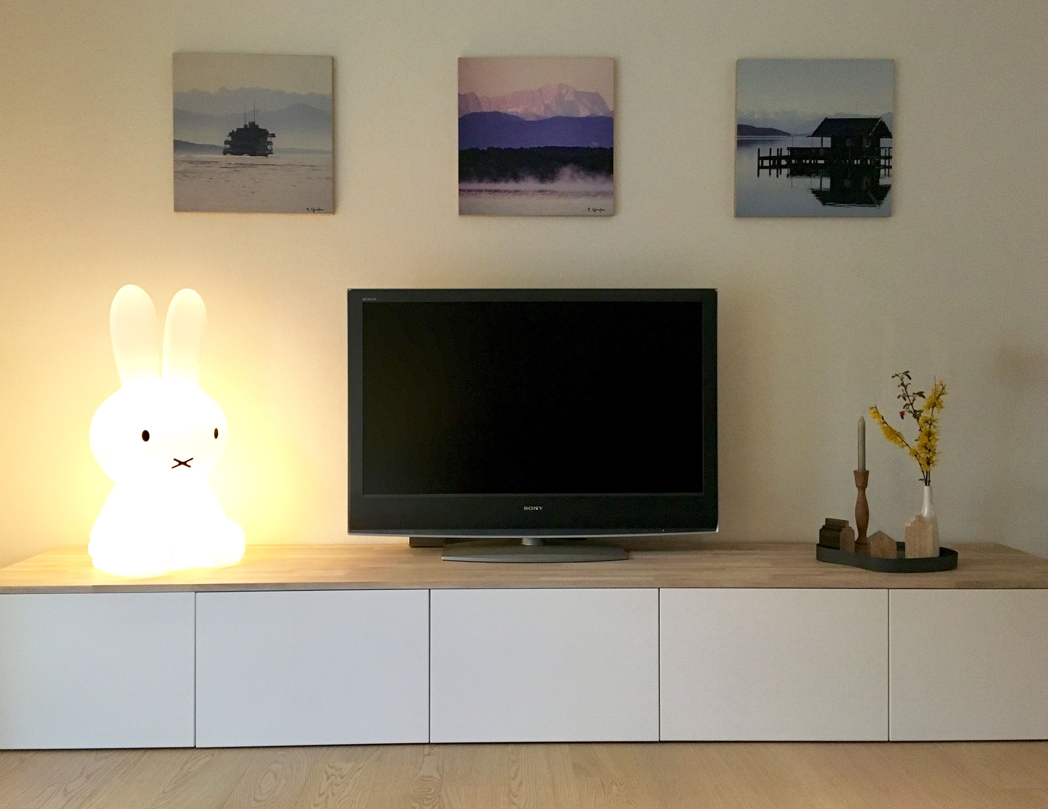 Einfache Fernsehwand Ikea Hack Metod Lowboard Weiß Eiche For The Home In 2019