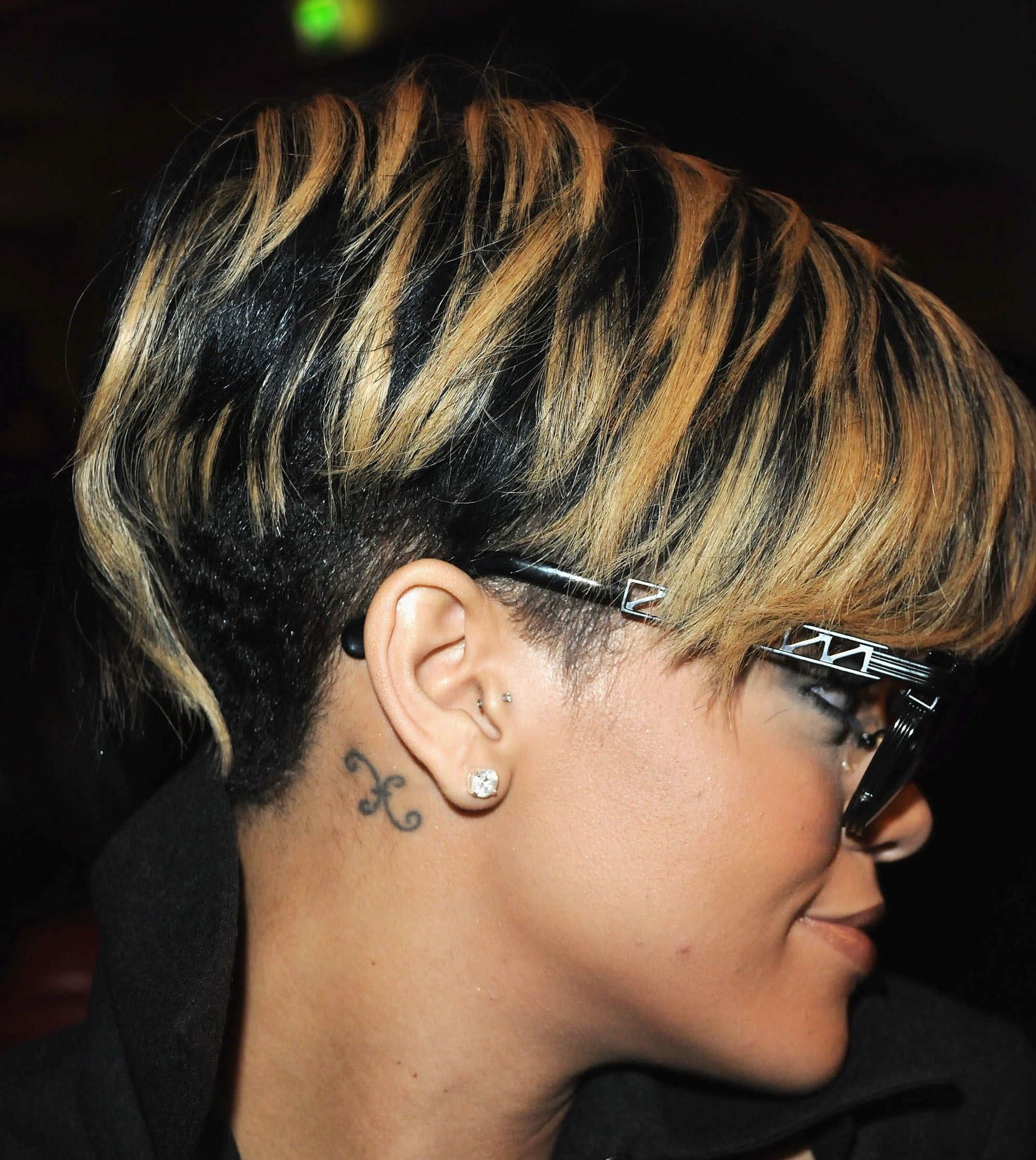 20 Fabulous Styles For Black Hair Another Rihanna Hairstyle From The Side