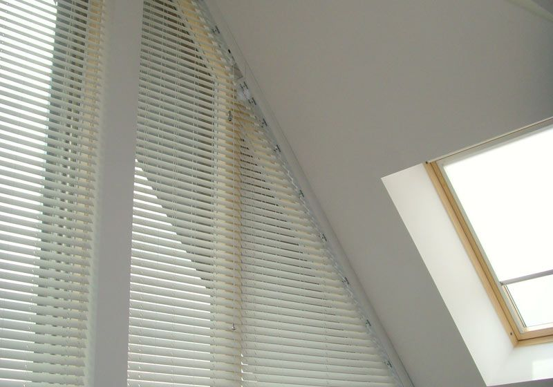 Shaped Blind and Shutter Installations Avanti Shaped \u2013 The UK\u0027s - store pour fenetre interieur