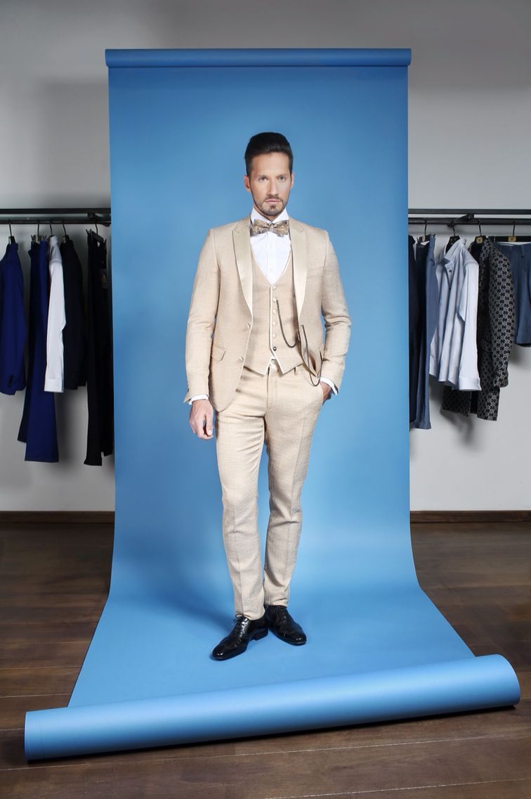 Red carpet suit | Lords & Fools Summer 2015 | Pinterest